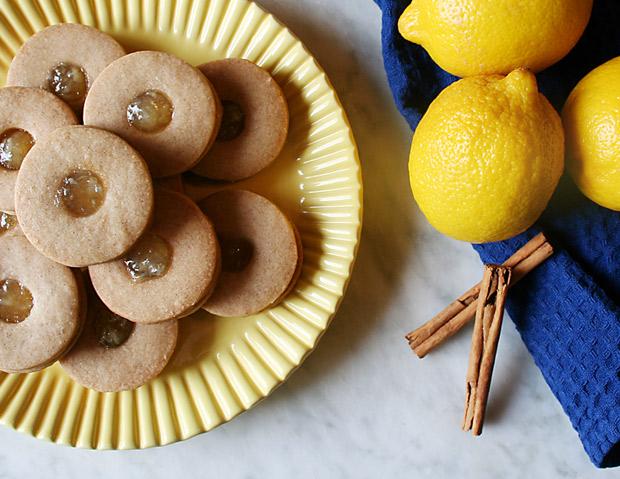 Foto dei biscotti ovis molis limone e cannella