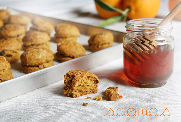 Scones alla zucca, cannella e arancia