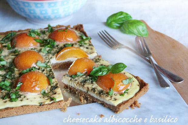 Cheesecake albicocche e basilico
